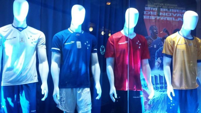Nova Camisa Cruzeiro (Foto: Marco Astoni)