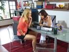 Andreia Horta revive 1º emprego e envia telemensagem para Grazi Massafera