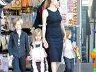 Filhos de Jolie e Brad Pitt mandam carta para Papai Noel, diz revista