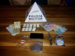droga apreendida em Martinho Campos (Foto: Polícia Militar / Divulgação)
