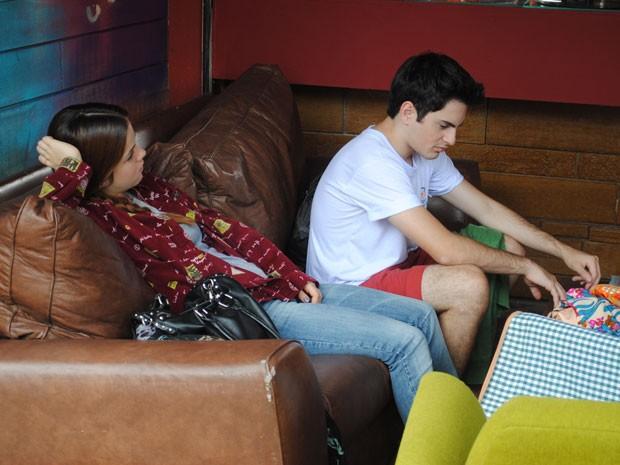 Morgana pede para dormir com Rafa, mas garota diz que não está pronto (Foto: Malhação / Tv Globo)