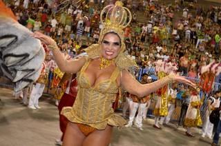 Solange Gomes na Sapucaí (Foto: Roberto Teixeira/ EGO)