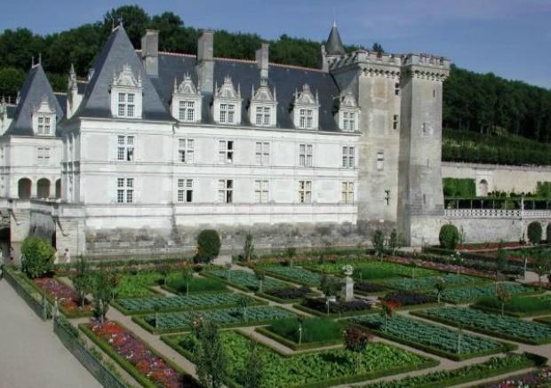 Castelo de verdade: o Chteau de Villandry, em Paris, com o jardim tomado por uma incrvel horta (Foto: Reproduo/ 40 Forever)