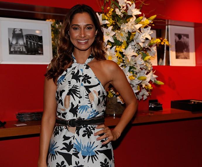 Linda e simpática, Camila Pitanga chega para o último capítulo de Babilônia! (Foto: Fábio Rocha/Gshow)