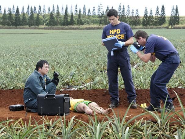 Quando jovem é encontrada morta, equipe descobre que um serial killer ainda pode estar à solta (Foto: Divulgação/Reprodução)