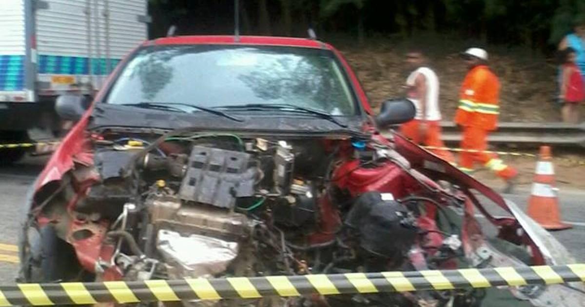 Acidente na BR-116, em Teresópolis, RJ, deixa duas pessoas mortas - Globo.com