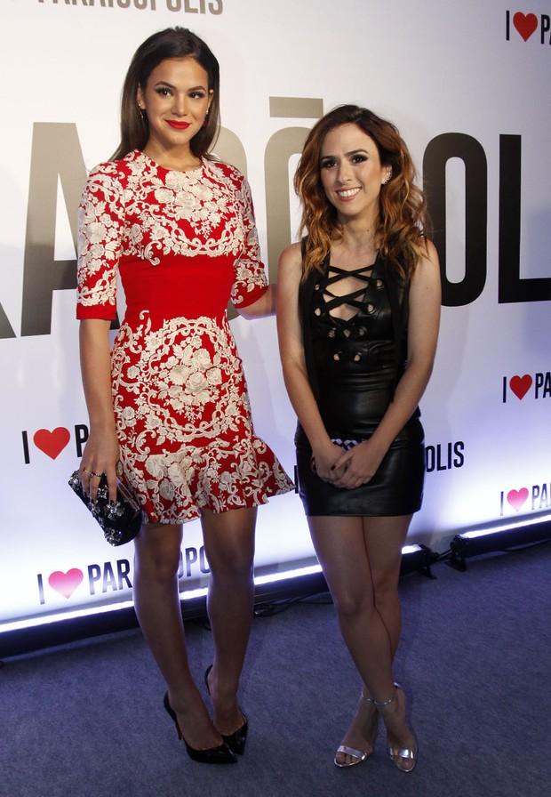 Bruna Marquezine e Tatá Werneck em festa de novela em São Paulo (Foto: Celso Tavares/ EGO)