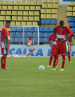 Boa Esporte perdeu para o rebaixado Icasa e deixou vaga na A escapar (Foto: Tiago Campos)