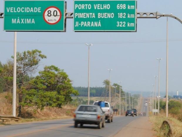 Aumento do número de veículos nas estradas preocupa Polícia Rodoviária Estadual (Foto: Rogério Perucci/G1)