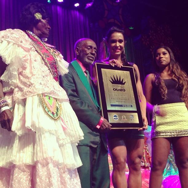 Gracyanne Barbosa no prêmio Estandarte do Ouro no Rio (Foto: Instagram/ Reprodução)