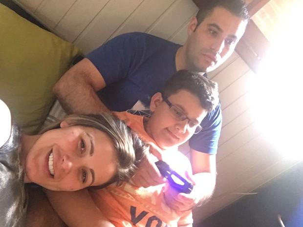 Andressa Urach, Tiago Costa e Arthur (Foto: Arquivo Pessoal)