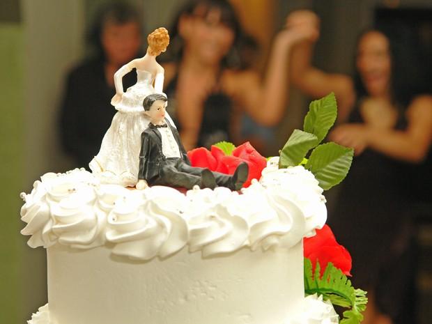 Fazer a lista de casamento é tarefa difícil para os noivos (Foto: Mais Você / TV Globo)