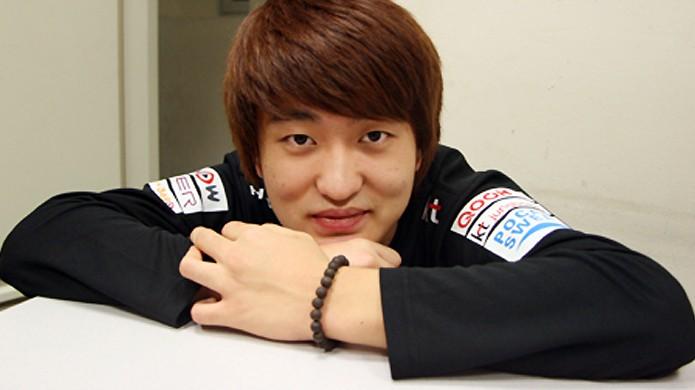 Com apenas 14 anos Lee Flash já jogava competitivamente e ganhou quase 1 milhão antes dos 18 anos (Foto: teamliquid.net)