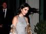 Kendall Jenner é traída por rajada de vento e acaba mostrando calcinha