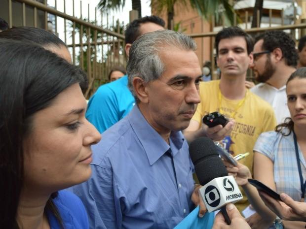 Eleito em MS, Reinaldo Azambuja concede entrevista à imprensa (Foto: Anderson Viegas/G1 MS)