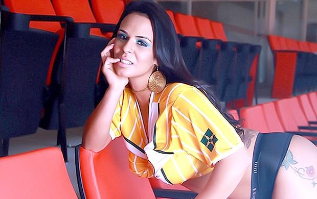 musa Brasiliense ensaio Estádio Nacional Mané Garrincha (Foto: Divulgação / Site Oficial do Brasiliense)