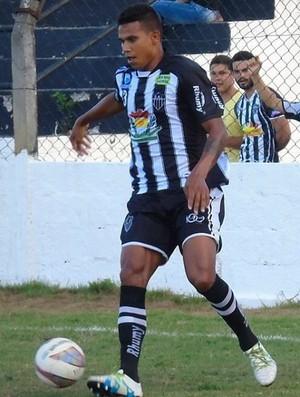 Rhayne, zagueiro do Atlético-ES (Foto: Karen Porto/Atlético-ES)