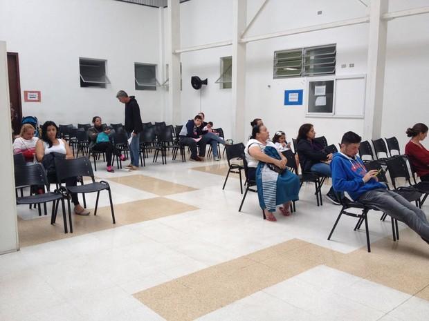 Upa da Fazendinha, em Curitiba: há atendimento, porém falta de funcionários por conta da paralisação dos motoristas e cobradores (Foto: Andressa Almeida/RPC)