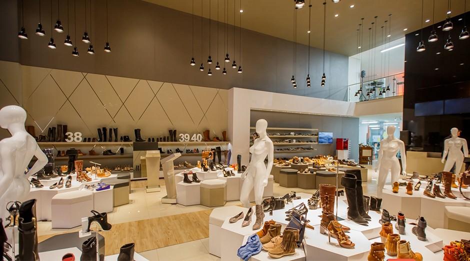 14748227a1 Como uma empresa de tecnologia quer mudar o setor de sapatos