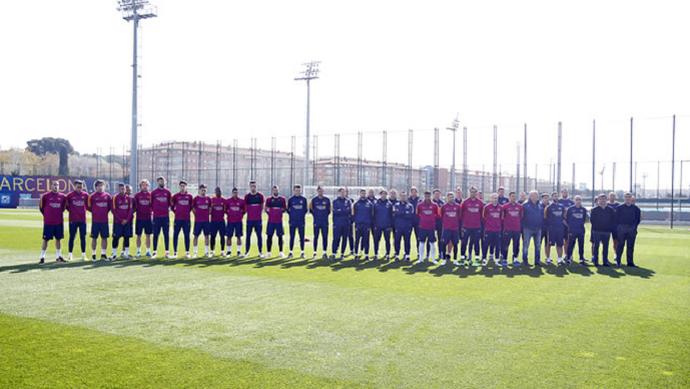 Barcelona treino homenagem Cruyff (Foto: Divulgação/Site oficial do Barcelona)