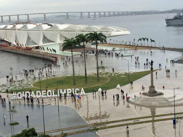 Vista aérea da nova Praça Mauá (Foto: Mirelle de França / G1)