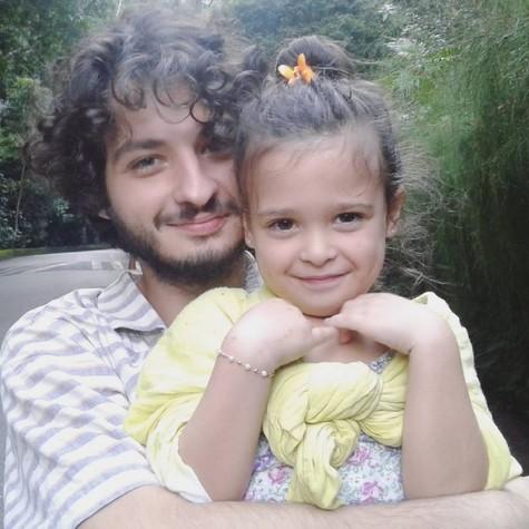 César Cardadeiro e a filha (Foto: Reprodução / Instagram)