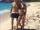 Rodrigo Faro e Vera Viel curtem viagem a St Barths e posam na praia