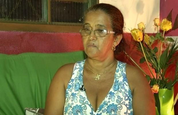 Mãe diz que nunca imaginou que Amanda Bueno pudesse ser assassinada, em Goiás (Foto: Reprodução/ TV Anhanguera)