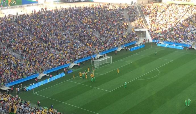 Jogadoras de Zimbábue dão volta olímpica na Arena Corinthians (Foto: Diego Ribeiro)