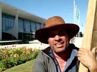 Produtor carrega cruz por 120 km até o Palácio do Planalto para pedir Fies