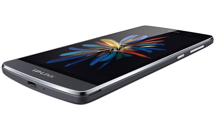 Neffos C5 é o modelo mais compacto disponível nas cores branco e cinza escuro (Foto: Divulgação/Neffos)