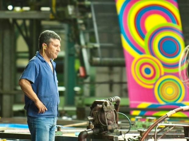 Toalha em fase de produção (Foto: Foto Mundo/Divulgação)