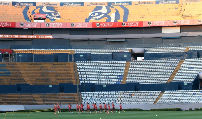 Treino do Intes no estádio Universitario, em Monterrey (Foto: Diego Guichard)