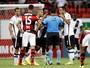 Arnaldo culpa pressão por erro de árbitro durante o Clássico dos Milhões