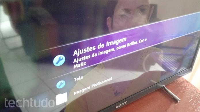 Acessando as configurações de imagem e tela da sua TV (Foto: Felipe Alencar/TechTudo)