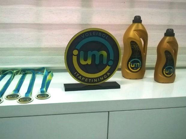 UM é o patrocinador do primeiro time de vôlei profissional de Itapetininga (Foto: Divulgação)