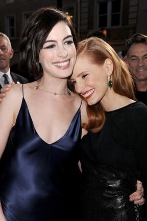 Anne Hathaway e Jessica Chastain em première de filme em Los Angeles, nos Estados Unidos (Foto: Kevin Winter/ Getty Images/ AFP)