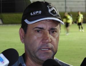 Zé Teodoro - técnico do ABC (Foto: Carlos Arthur)