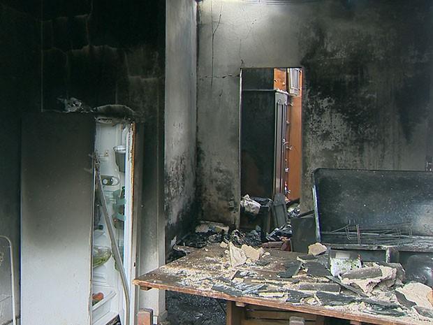 Incêndio casa mata crianças Barroso-MG 1 (Foto: Reprodução/TV Integração)