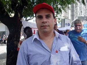 Carlos Veras, presidente estadual da CUT. (Foto: Katherine Coutinho / G1)