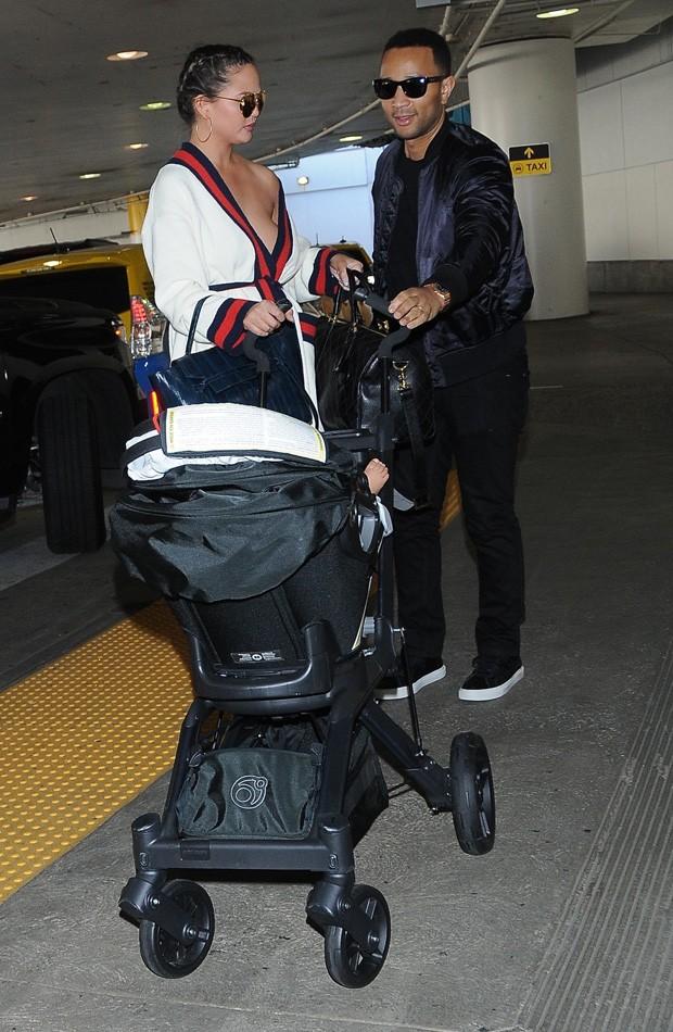 Chrissy Teigen e John Legend (Foto: AKM-GSI)