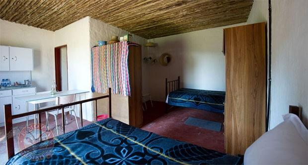Os quartos são feitos de placas de metal e madeira, mas o hotel afirma que o piso tem aquecimento (Foto: Divulgação/Emoya Luxury Hotel and Spa)
