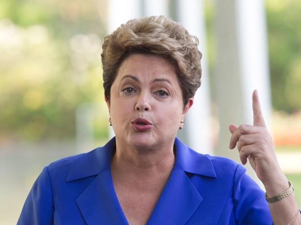 A presidente Dilma Rousseff, candidata à reeleição pelo PT, concede entrevista no Palácio da Alvorada, em Brasília (Foto: Ed Ferreira/Estadão Conteúdo)