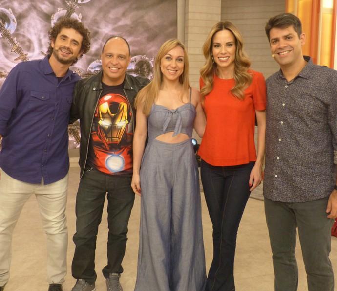 Dubladores divertiram o público no Encontro (Foto: Paula Oliveira/Gshow)