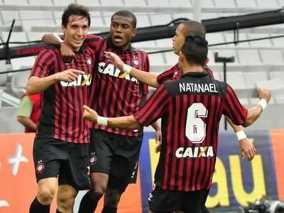 Atlético-PR vence o Botafogo na Arena da Baixada (Foto: Mauricio Mano/ Site oficial Atlético-PR)