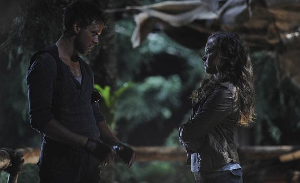 Skye encontra Lucas no acampamento dos Sixers (Foto: Divulgação / Twentieth Century Fox)