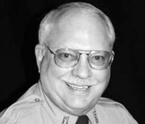 Policial Robert Bates recebe acusação por matar homem negro em Tulsa, nos EUA (Foto: Tulsa County Sheriff's Office via AP)