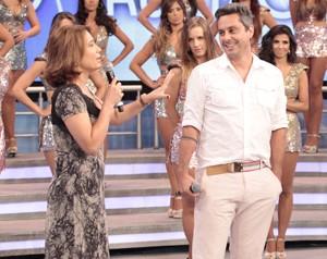 Ana Beatriz Barbosa alfineta Alexandre Nero (Foto: Domingão do Faustão / TV Globo)
