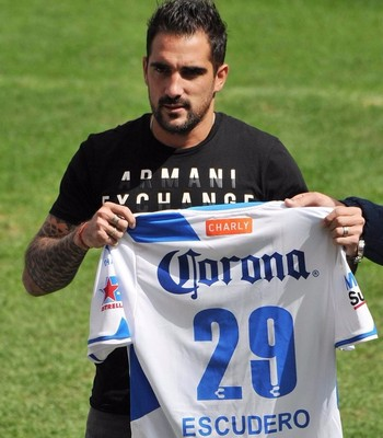 escudero camisa 29 do Puebla (Foto: Divulgação/ Puebla)