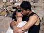 Demi Lovato beija muito o namorado Wilmer Valderrama em praia